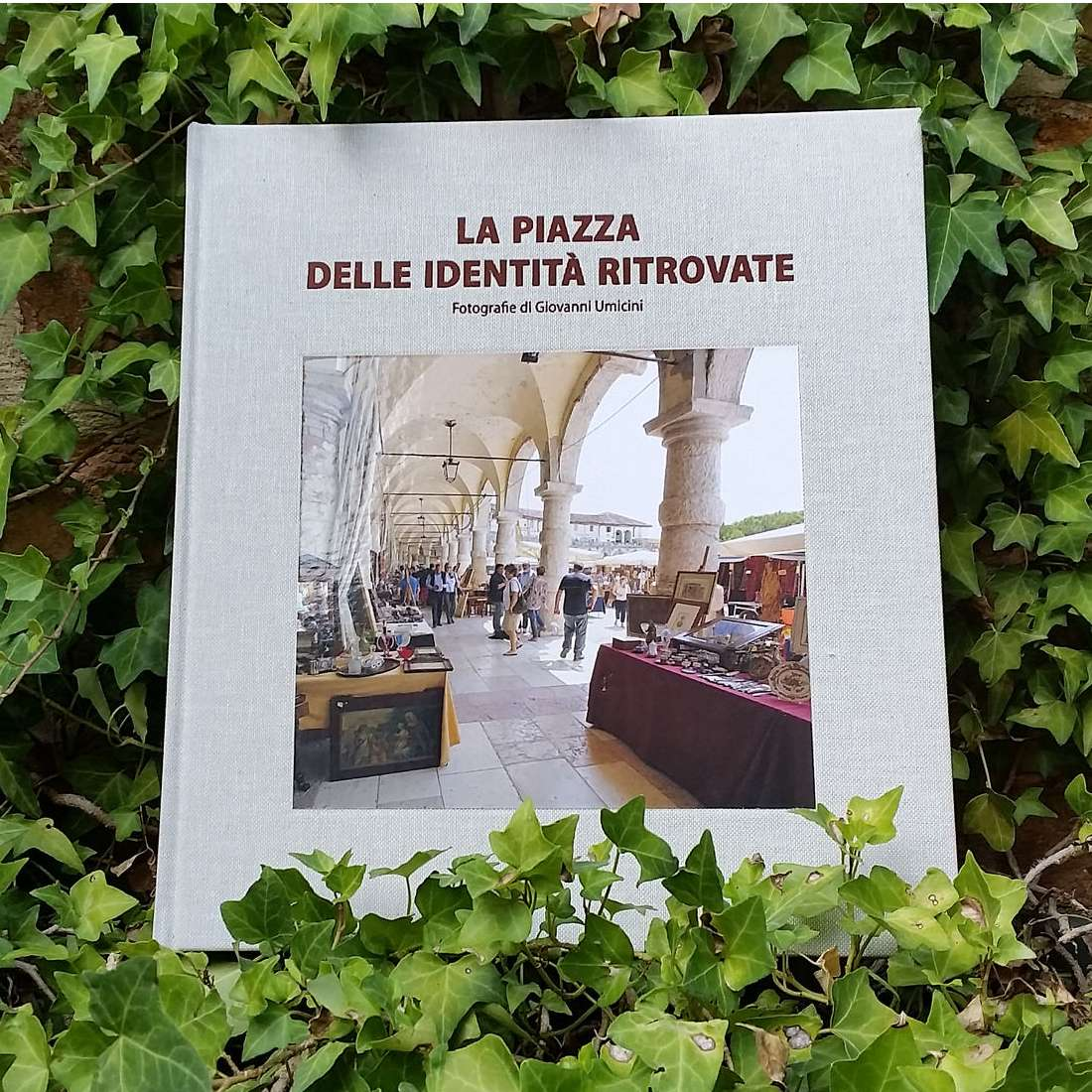 Libro fotografico del mercatino dell'antiquariato di Piazzola sul Brenta