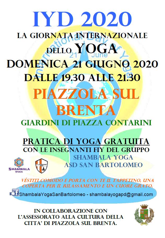yoga ai giardini di piazza Camerini