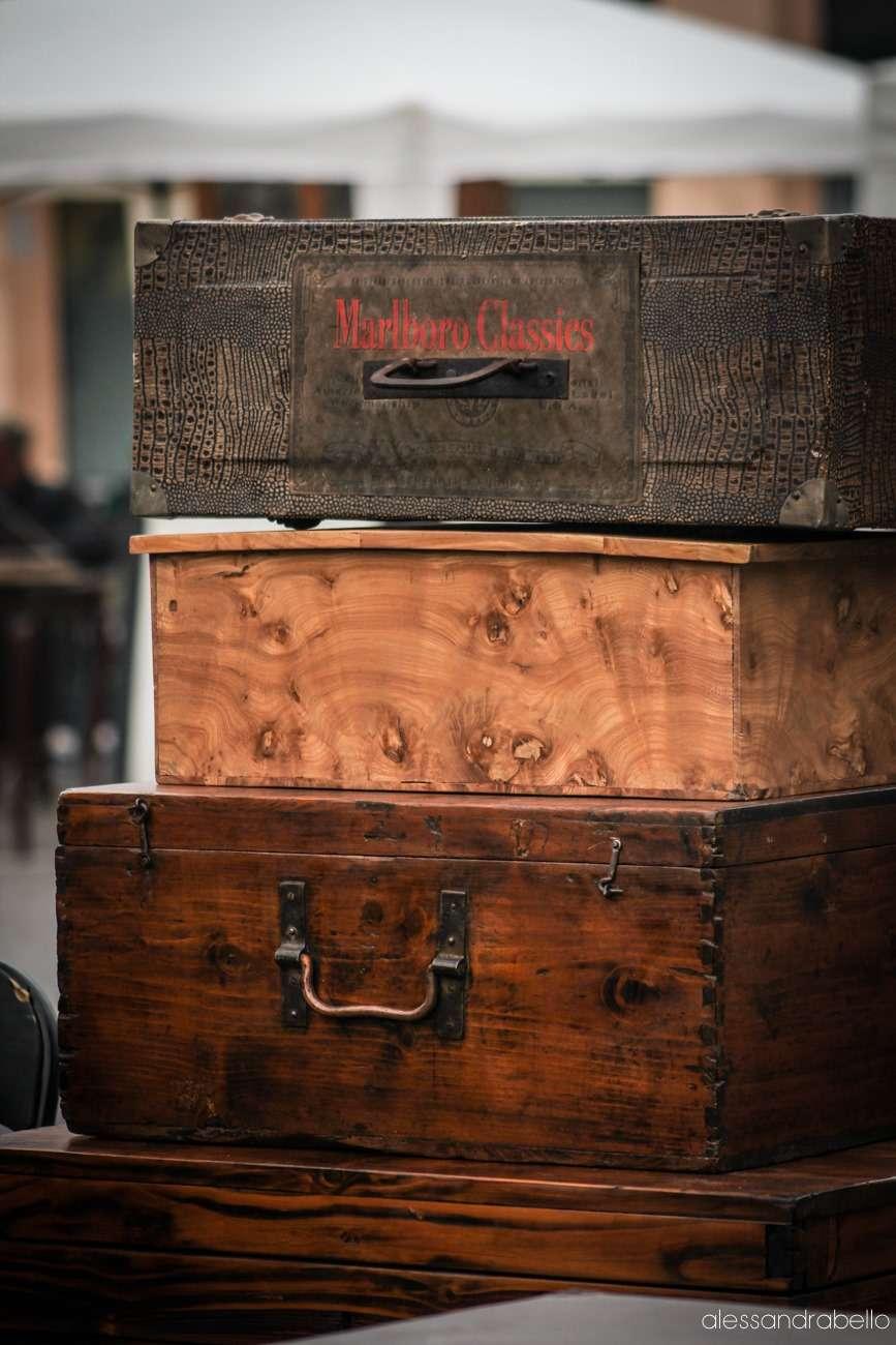 bauli e scatole in legno