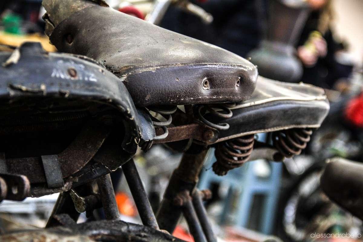 particolare di vecchie biciclette